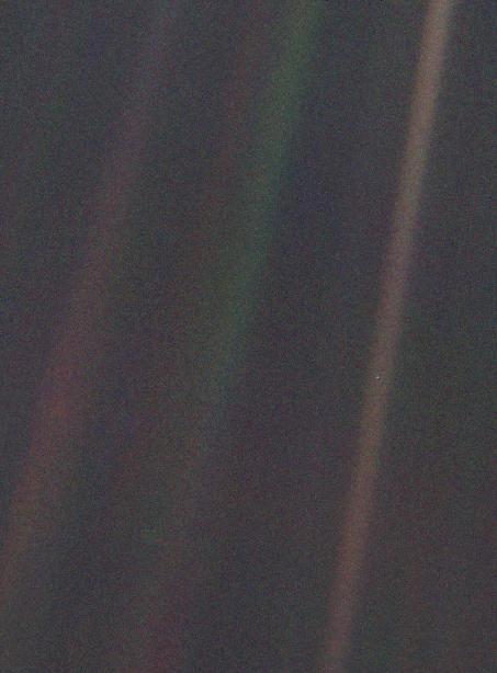 Pale Blue Dot_NASA